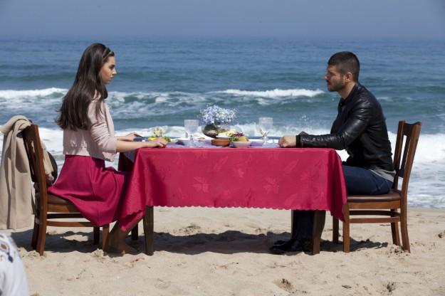 """Вълнуващ любовен триъгълник разплитат героите  в """"Сега и завинаги"""" по bTV"""