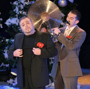 """Новогодишната програма на """"Комиците"""", която започва в 20.00 часа, ще разсмее зрителите с много нови скечове."""