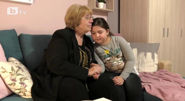 """""""Бригада Нов дом"""" подава ръка на баба и внуче, които живеят в лишения и трудности"""