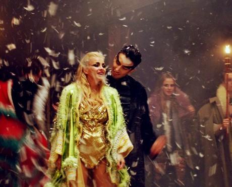 """Dess и Alek Sandar показаха видеото към """"It ain't over"""""""