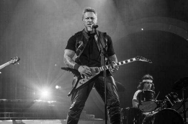"""Фики с рок изпълнение и поредна победа в """"Като две капки вода"""""""