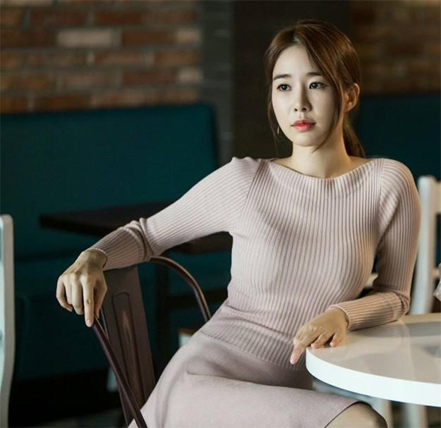 Ю Ин-на като  Съни в 'Гоблин'