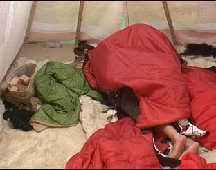 """""""Опасно близки""""  в индианската палатка на Big Brother: Most Wanted"""