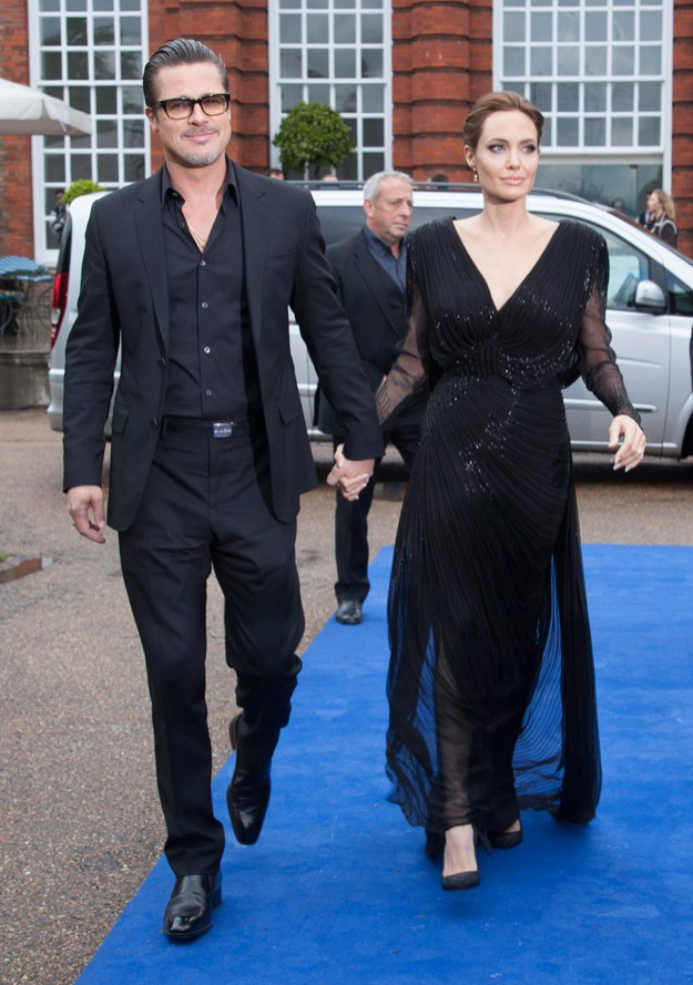 """Брад Пит и Анджелина Джоли минаха по синия килим на """"Господарка на злото"""" в Лондон"""
