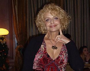 Камелия Тодорова - една от най-добрите и големи български изпълнителки - ще бъде гост този понеделник на сцената на Music Idol.