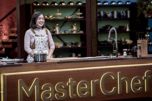 Петър Михалчев удостои речната супа с раци на корейката Куин Чан със златната престилка на MasterChef