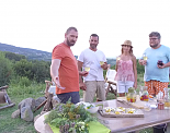 """Chef Андре Токев и Събин Ранков изследват Родопите в """"Ловци на храна"""""""