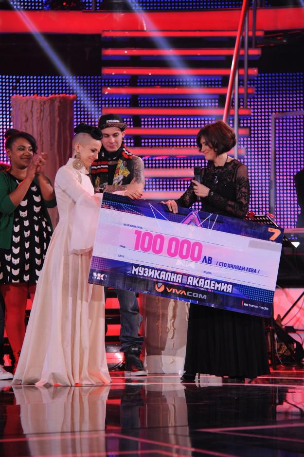 100 000 лева спечели Поли Генова  в МУЗИКАЛНА АКАДЕМИЯ
