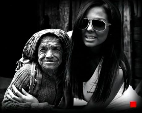 Николета Лозанова на гости на бабите-джуджета