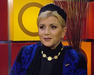 """Николина Чакардъкова в """"Горещо"""""""
