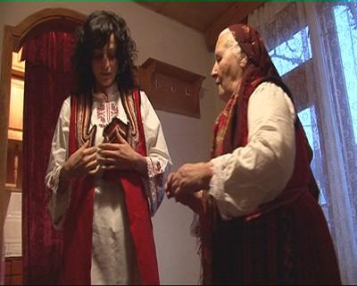"""Нина Николина меси хляб и точи кори в последния епизод на """"Животът на другите"""""""