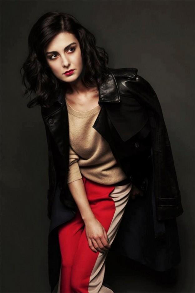 Йозлем Йълмаз(Özlem Yılmaz) е турска филмова актриса. В...