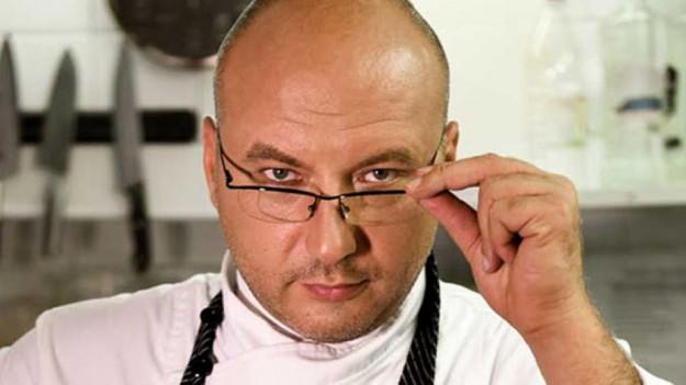 """Шеф Манчев с двойно по-тежка мисия - спасяването на един ресторант и на едно семейство в новия епизод на """"Кошмари в кухнята"""""""