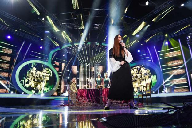 """Ваня Джаферович в ролята на петимата поп идоли от Backstreet Boys в """"Като две капки вода"""""""
