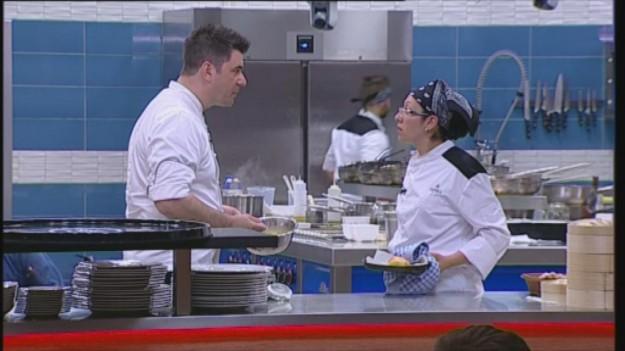 Шеф Ангелов поставя предизвикателство на тема европейска кухня – тази вечер в Hell's Kitchen България