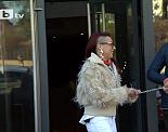 """Евангелистка забранява Дядо Коледа и жена на каишка чете Библията в """"Смени жената"""" по bTV"""