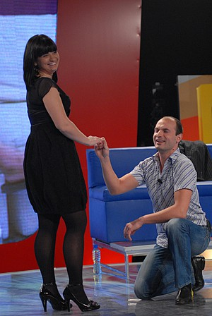 Предложение за брак на сцената на Big Brother.