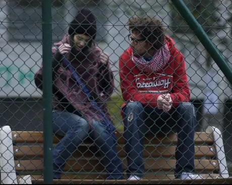 Хари е разочарован от драстичната промяна в Алекс.
