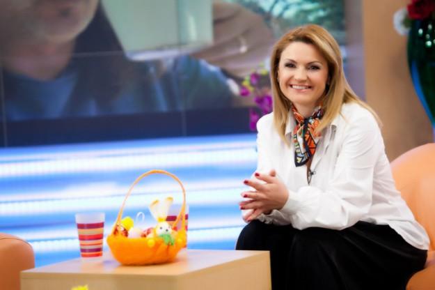 """""""Извън новините"""" с  Ани Салич"""