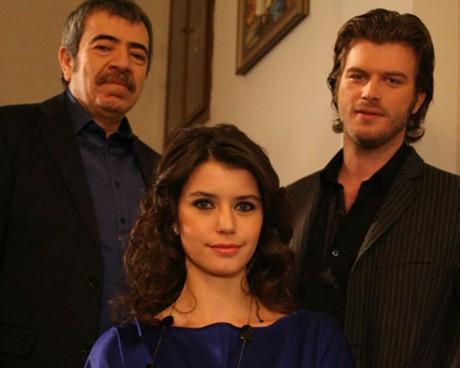 Как ще приключи забранената любов между Бихтер, младата съпруга на богаташа Аднан и неговия племенник Бехлюл?