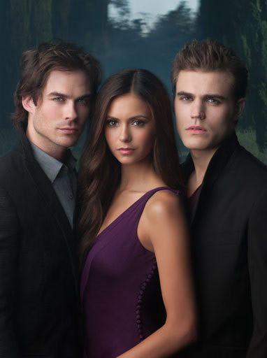 """Първият сезон на """"Дневниците на вампира"""""""