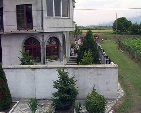 къщата на съседа
