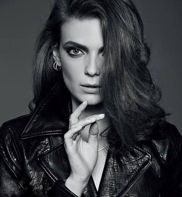топ моделът Нора Шопова