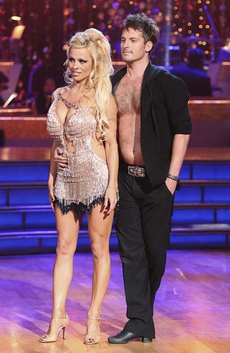 Dancing Stars официално премина в ефира на Нова