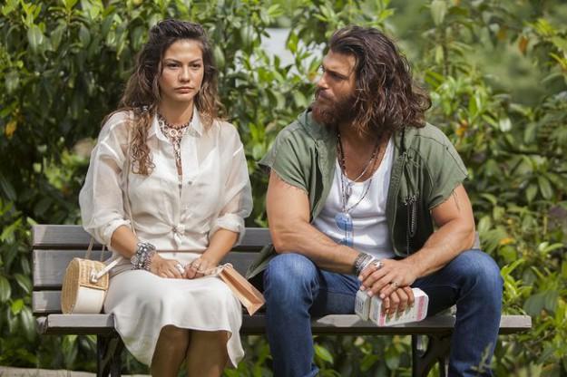 Вижте снимки от турския сериал 'Свободен дух   Erkenci Kus (2018)